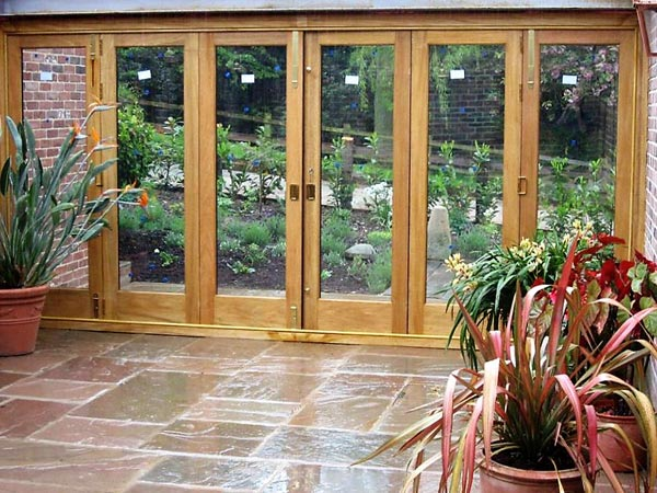 Idigbo courtyard bi folding doors
