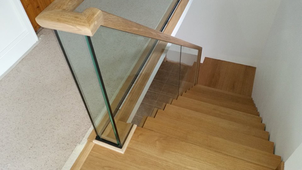 Zig Zag staircase with glass balustrade